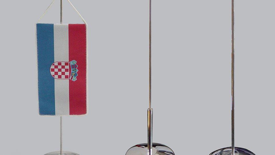 Stalci i stolne zastavice
